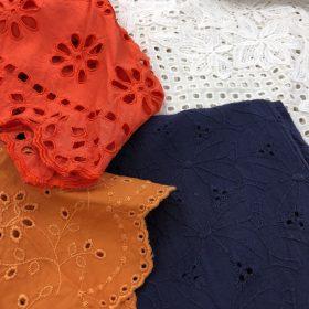 パンチングレース刺繍